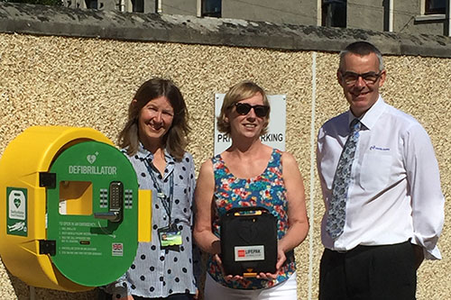Dalkeith's first lifesaving 24/7 public defibrillator unveiled