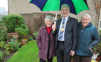 Midlothian Council tenants garden competition headline