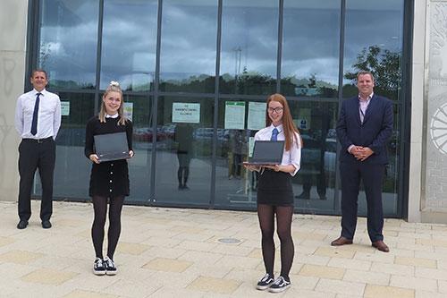 Midlothian-pupil-a-free-device-Newbattle-Campus